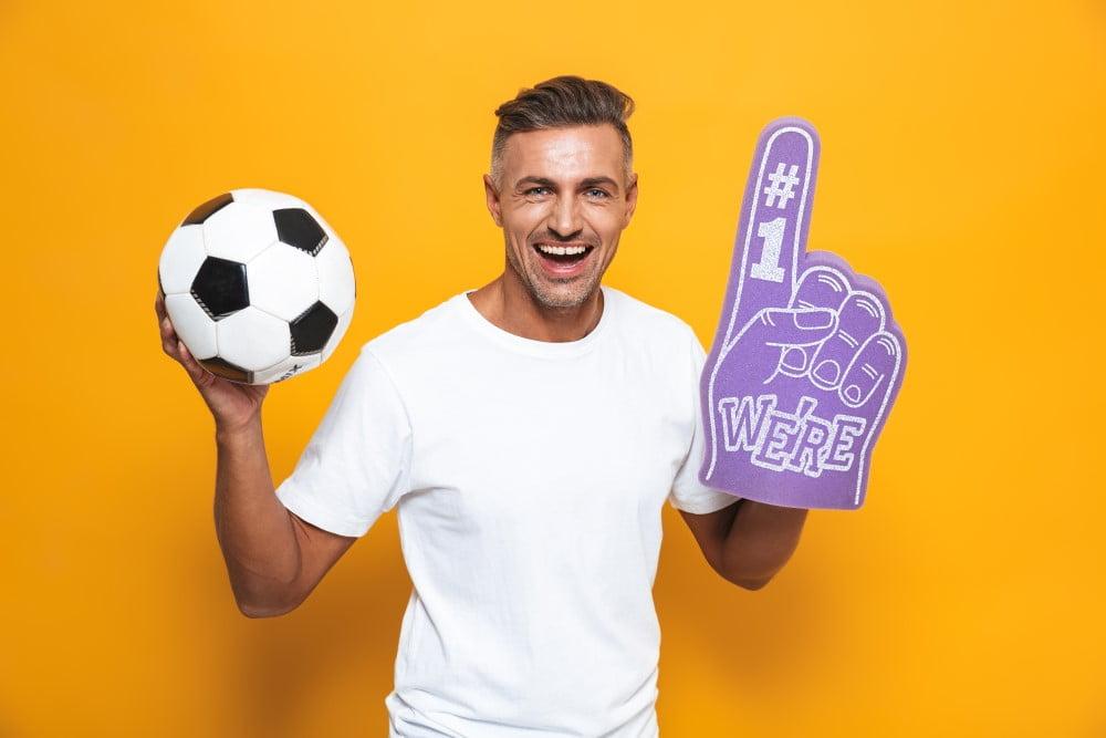 Mand der skal se fodbold
